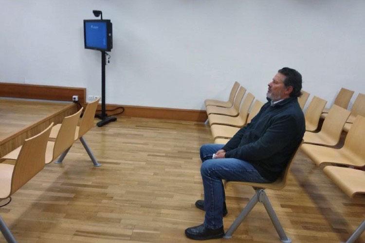 Франсиско на очередном заседание суда