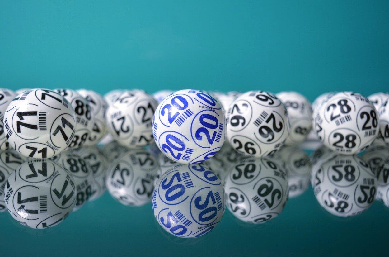 На что тратят выигранные в лотерею деньги в России?