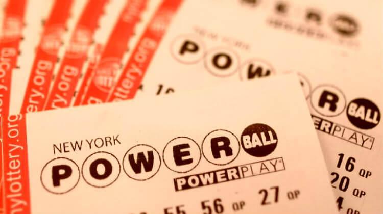 Самые большие выигрыши в лотерею. граждане из штатов Мичиган и Иллинойс